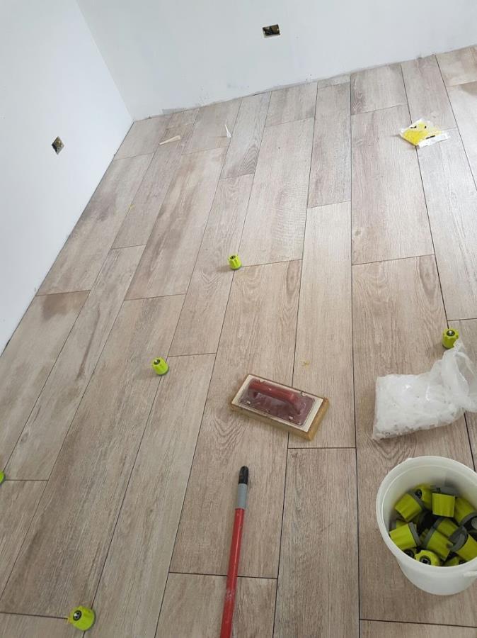 Pavimento gres porcellanato effetto legno como di napoli ceramiche - Schemi di posa piastrelle effetto legno ...